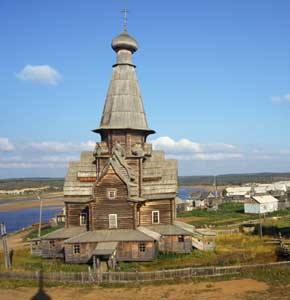 kolatravel,ecological,excursions,tour,kandalaksha,boat excursion to stone labyrinth,Umba, excursion, pomorsky museum,folk concert,handicraft workshops,white sea,tetrina tonya,amethyst,kashkarantsy,kuzomen,varzuga,church