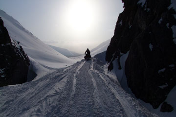Snowmobile safaris to Ramzai Pass in Khibiny Tundra on Kola Peninsula