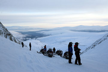 Snowmobile safaris Murmansk Region
